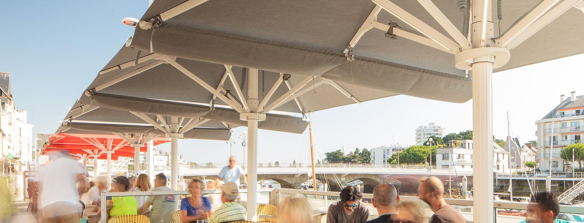 Parasol Professionel - Parasol Géant - Palazzo Style - Bar Les Moussaillons Le Pouliguen - a tester-min