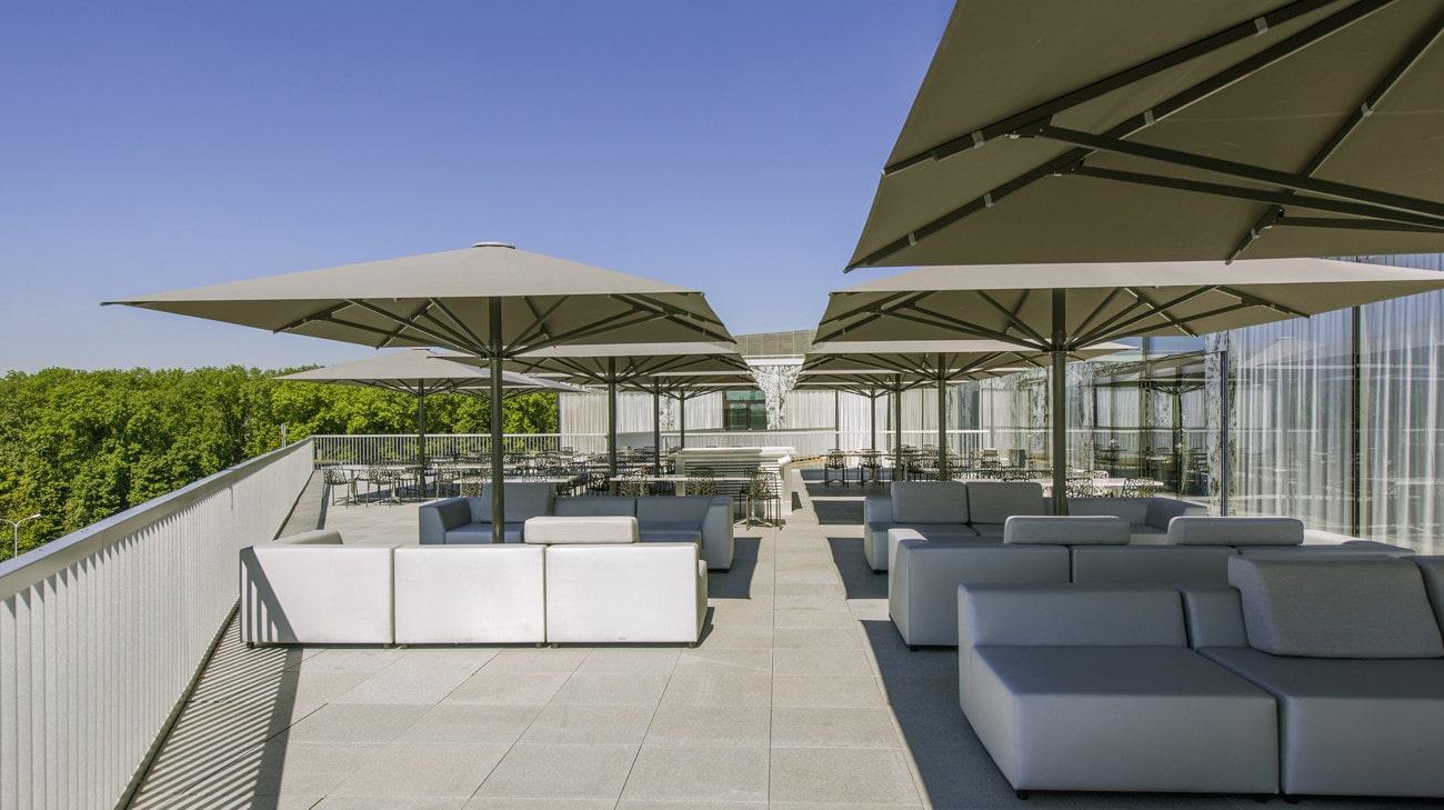 Parasol professionel grande dimension - Parasol Geant - Palazzo Noblesse - Terrasse restaurant - Parasol armature laqué-min
