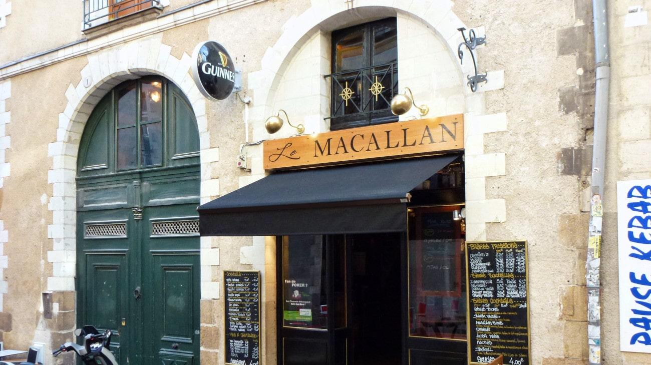 Store Banne électrique Bras Croisés - Store Banne Professionnel Nantes - Bar Le Macallan - 0005 retouche-min