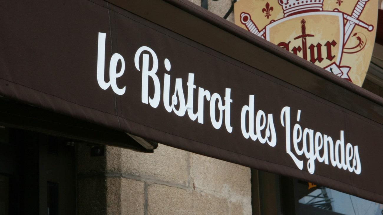 Store Banne électrique Bras Croisés - Store Banne Professionnel Nantes - Restaurant Le Bistrot des Légendes - 0020-min