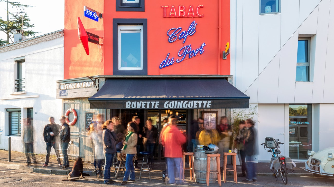 Store Banne Antibes - Buvette Guinguette à Trentemoult (44) par Espacio