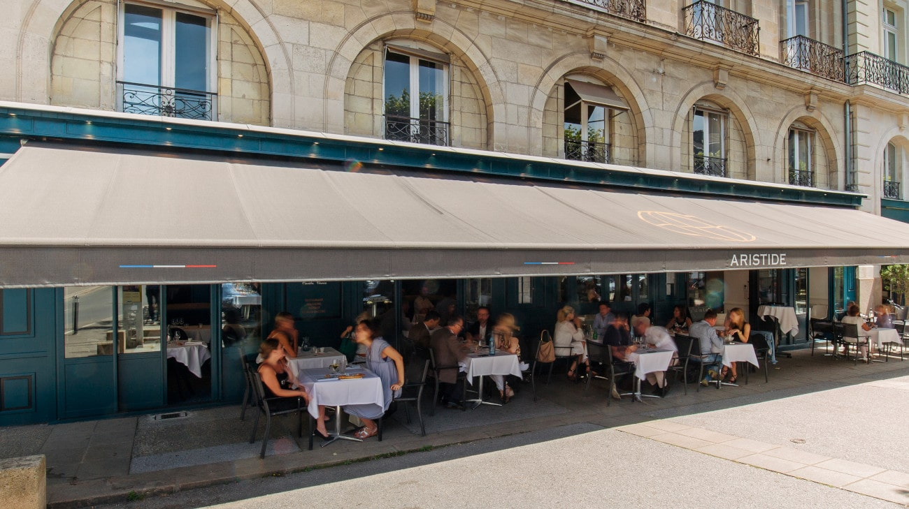 Store Banne Professionnel - Store restaurant - Store Banne Madrid spécial CHR - Restaurant Aristid - FORMAT 2 et 3 bis-HD-1-min