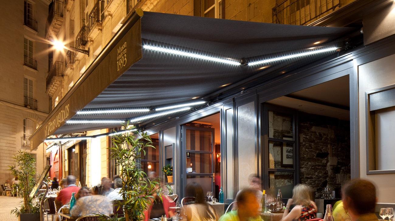 Store Banne Madrid - Restaurant Les Petits Oignons à Nantes (44) par Espacio