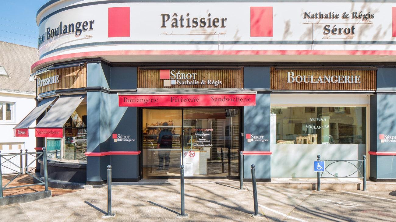 Store Bannette à Projection - Boulangerie Sérot (44) par Espacio