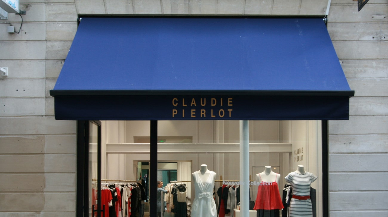 Store Professionnel - Store pour magasin - Store a Projection - Magasin Claudie Pierlot Nantes - Bannette a projection - FORMAT 2 et 3 - 001-min