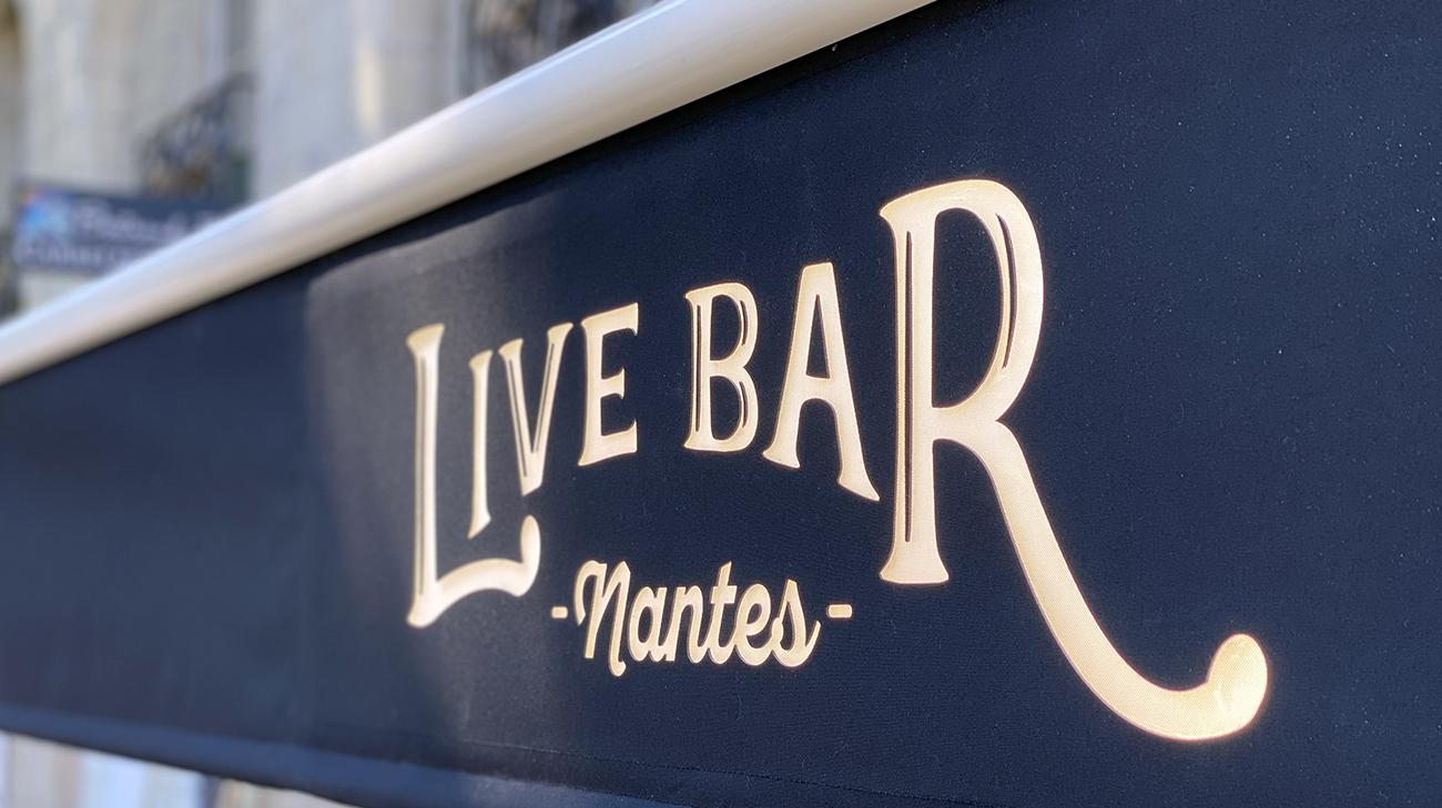 Lambrequin Lumineux au Live Bar à Nantes par Espacio